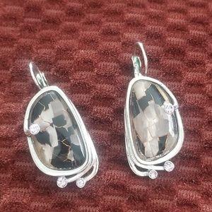 Jewelry - Unique purple stone earrings